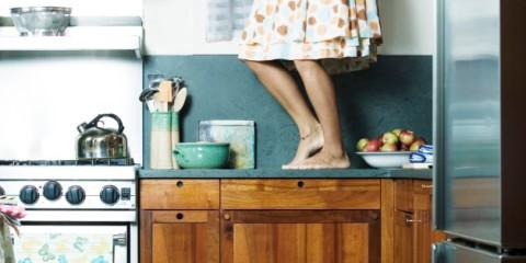 n-woman-dancing-kitchen-alone-628x314